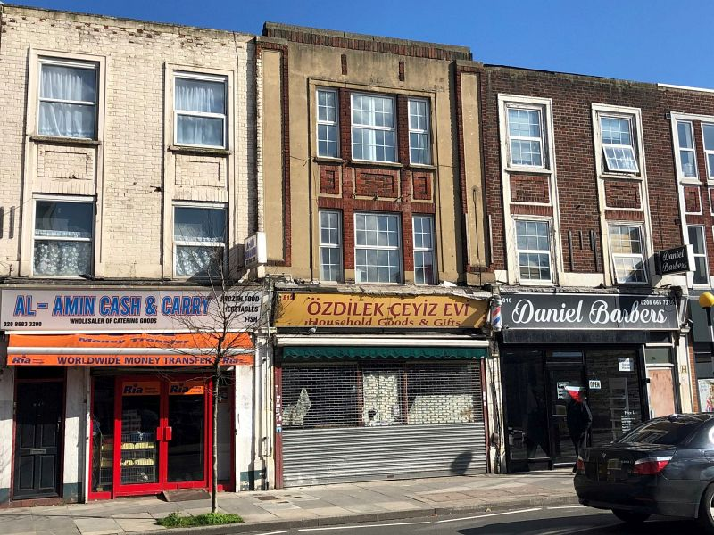 Property Photo: 812 London Road, Thornton Heath